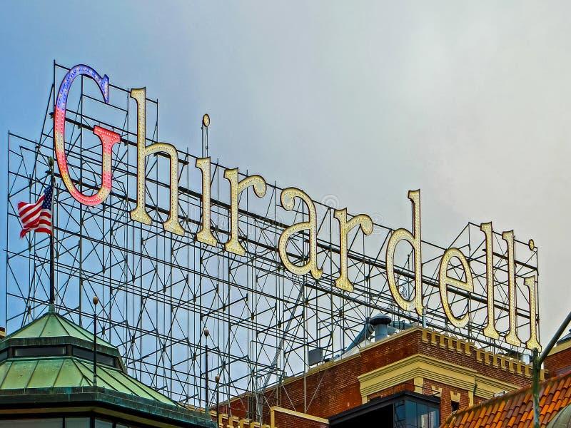 San Francisco, CA de V.S. - het Wereldberoemde Teken van Ghirardelli van de Chocolademaker royalty-vrije stock afbeelding