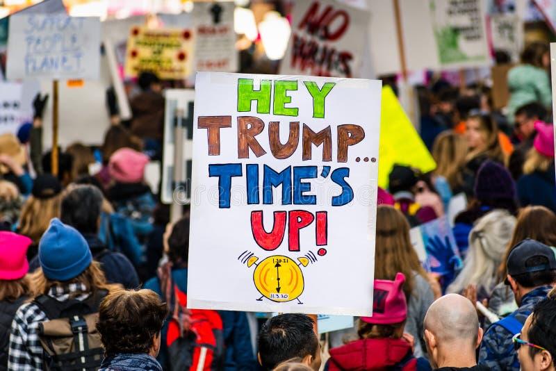 18.01.2020 San Francisco / CA / USA - Teilnahme an der Veranstaltung 'Women`s March' lizenzfreie stockbilder