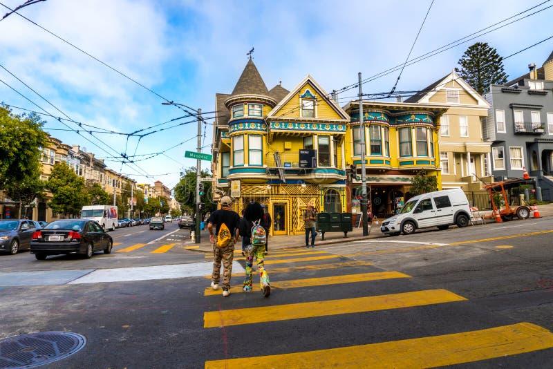 San Francisco Cable Car i centrum royaltyfri bild