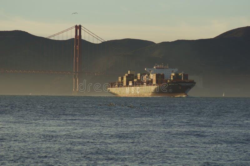 SAN FRANCISCO, CALIFORNI?, VERENIGDE STATEN - 25 NOV., 2018: doctorandus in de exacte wetenschappenVrachtschip SILVIA die San Fra stock afbeelding