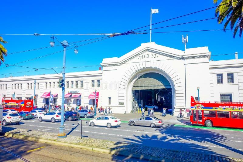 San Francisco, California - 11 febbraio 2017: Bella vista turistica del pilastro 33 nella città popolare e culturale fotografia stock