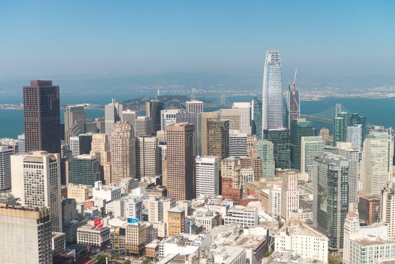 SAN FRANCISCO - 7 DE AGOSTO DE 2017: San Francisco Skyline como franco visto imágenes de archivo libres de regalías