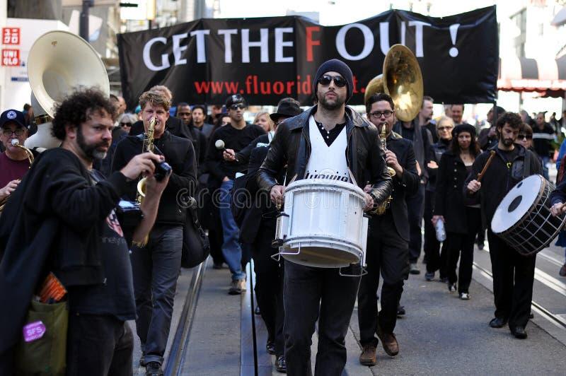 Protesta contra el fluoruro imagenes de archivo