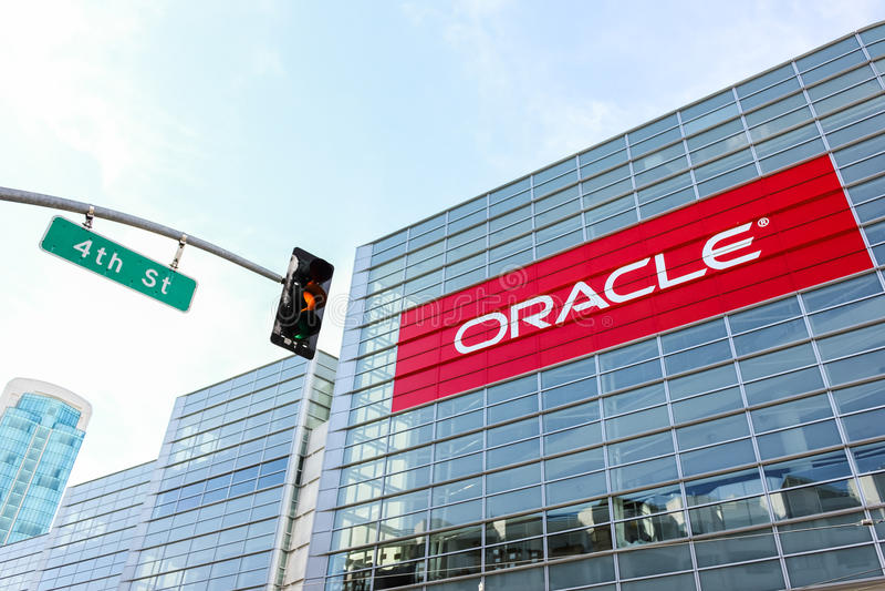 San Francisco, de V.S. - 3 Oktober: Oracle-embleem bij de bouw royalty-vrije stock foto's
