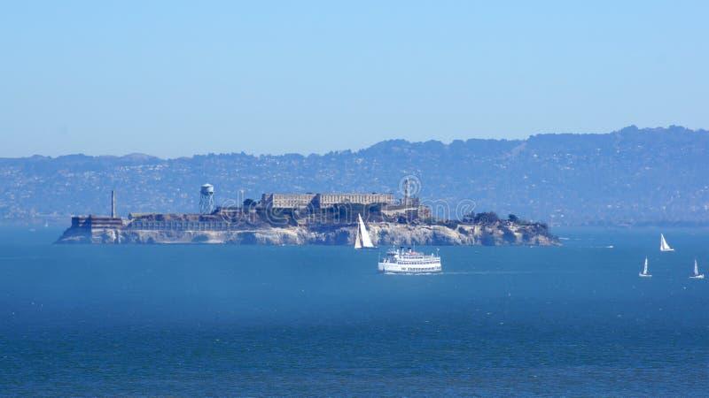 SAN FRANCISCO, de V.S. - 4 OKTOBER, 2014: Penitentiary van het Alcatrazeiland in de Baai stock foto