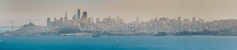 San Francisco, es el centro cultural, comercial, y financiero de California septentrional imagen de archivo libre de regalías