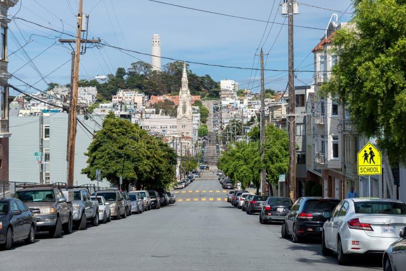 SAN FRANCISCO, EUA - 5 DE MAIO DE 2014: Opinião da rua de San Francisco fotografia de stock