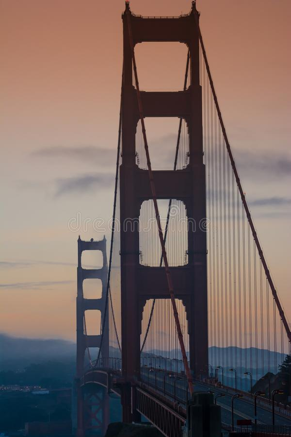 San Francisco Golden Bridge bij zonsopgang stock afbeelding