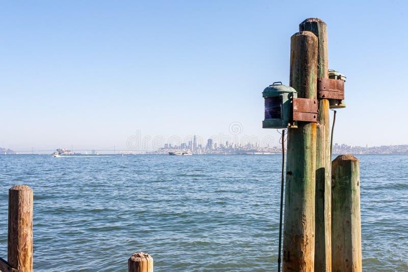 San Francisco jak widzieć od Sausalito na schronieniu morzem obrazy royalty free
