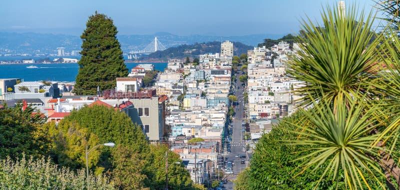 San Francisco-Luftskyline vom russischen Hügel in der Sommersaison stockbild