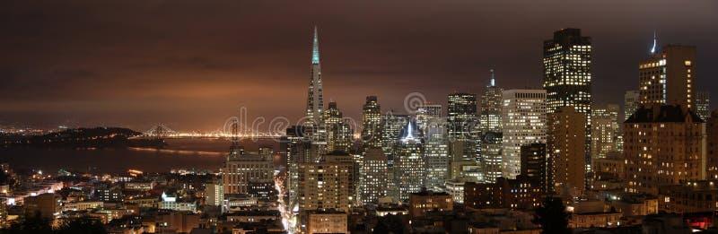 San Francisco - panorama di notte immagine stock libera da diritti