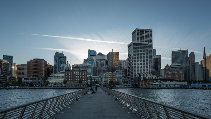 San Francisco, Pijler 14, Zonsondergang stock foto's