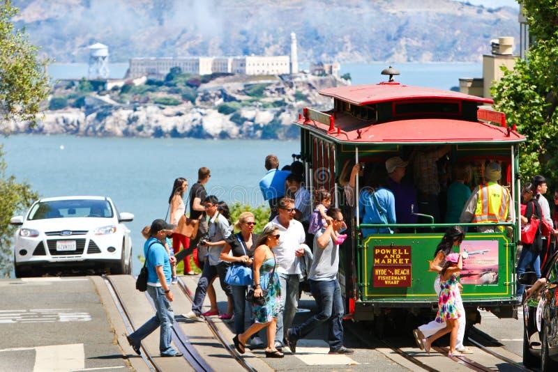 San Francisco Powell-Hyde Cable Car Passengers imagen de archivo