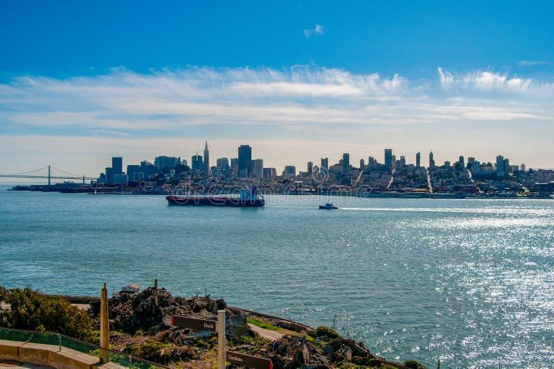 San Francisco Skyline från Alcatraz arkivfoto