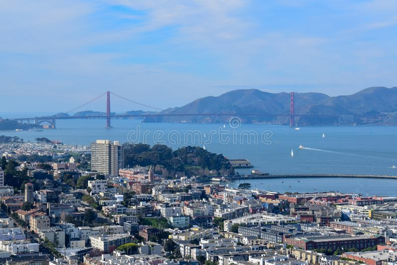 San Francisco Skyline - Golden gate bridge stock afbeelding