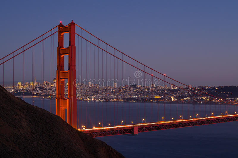 San Francisco Skyline Through Golden Gate bro arkivfoto