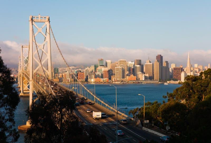 San Francisco am Sonnenaufgang stockfotos