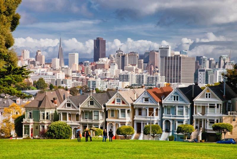 San Francisco-USA, målade damer fotografering för bildbyråer