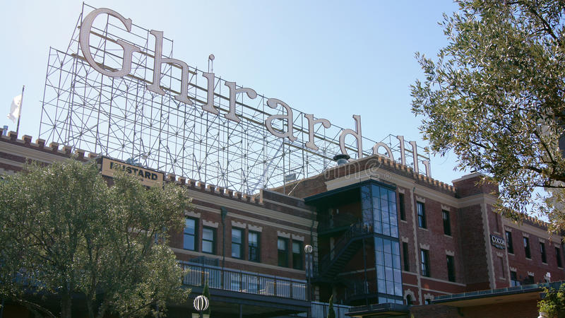 SAN FRANCISCO, USA - 4. Oktober 2014: Shop Ghirardelli Chocolate Company stockfoto