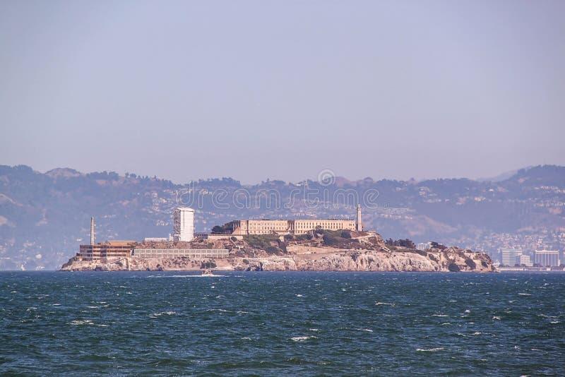 San francisco Widok na Wi??niarskim Alcatraz Maksymalnego wysokiego bezpiecze?stwa federacyjny wi?zienie zdjęcie stock