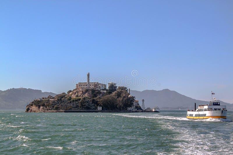 San francisco Widok na Wi??niarskim Alcatraz Maksymalnego wysokiego bezpiecze?stwa federacyjny wi?zienie zdjęcia stock