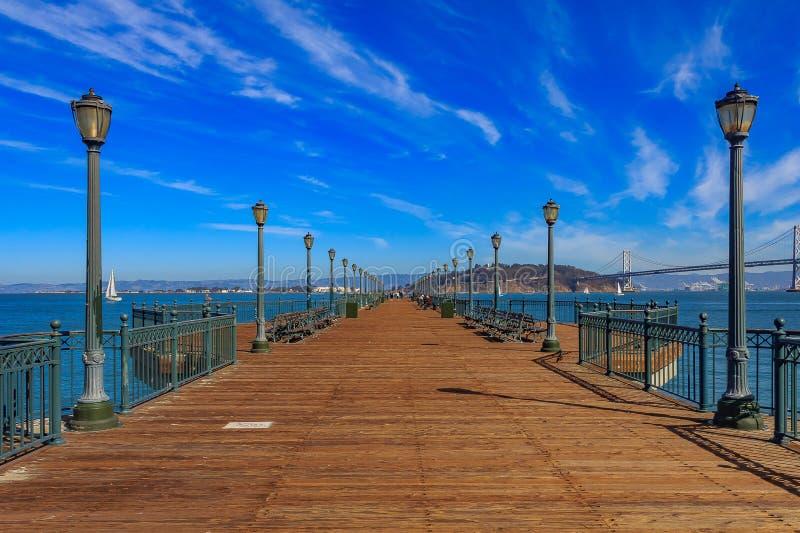 San Fransisco drewniany molo 7 na słonecznym dniu fotografia royalty free