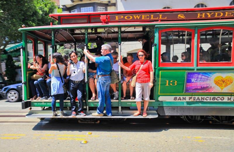 San Fransisco Powell & Hyde wagonu kolei linowej pasażery zdjęcia stock