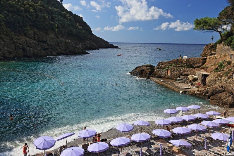 San Fruttuoso, tussen Golfo Paradiso en Golfo del Tigullio royalty-vrije stock foto's