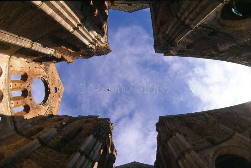 San Galgano opactwo, niebo i chmury, obrazy stock