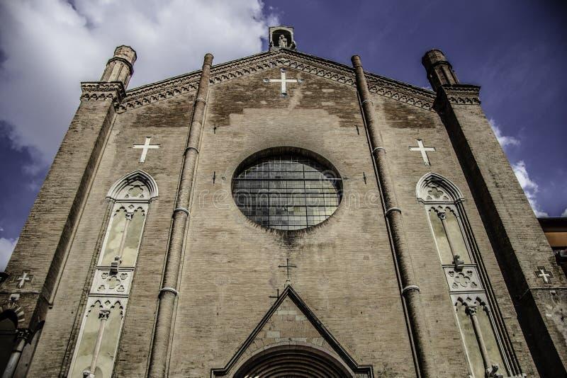 https://thumbs.dreamstime.com/b/san-giacomo-maggiore-church-bologna-basilica-historic-italy-39814470.jpg