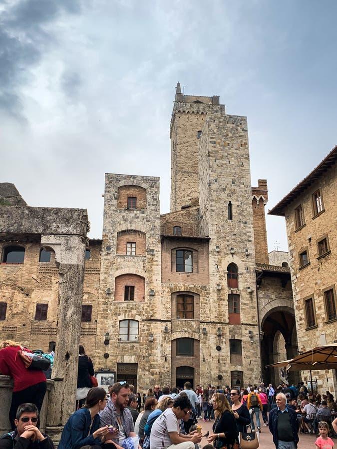 San Gimignano, итальянская средневековая деревня с характерными каменными башнями стоковое изображение rf