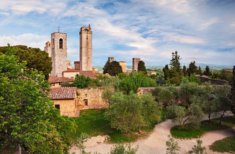 San Gimignano, Сиена, Тоскана, Италия: ландшафт средневекового стоковое изображение