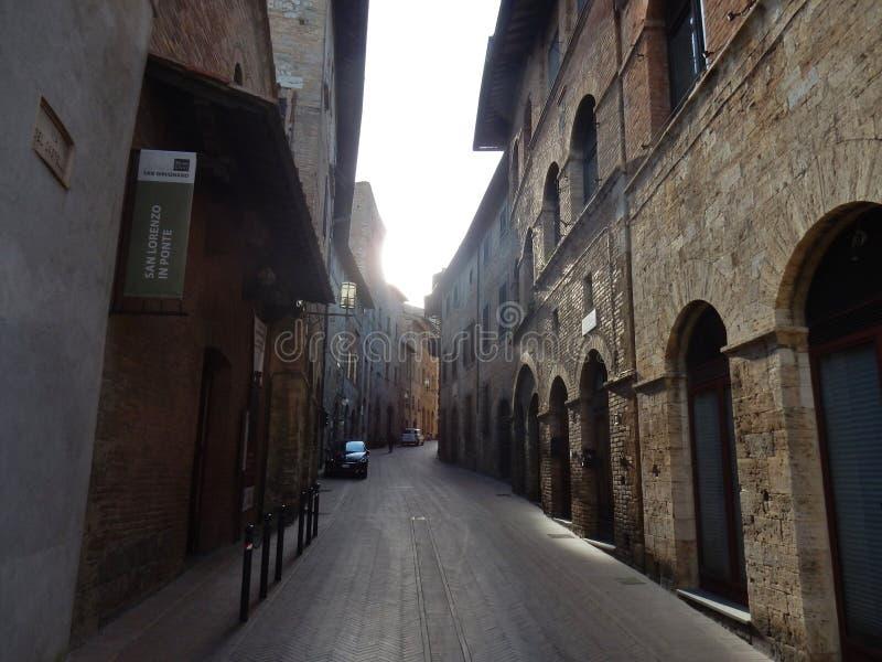 San Gimignano - kyrka av San Lorenzo i Ponte royaltyfri foto