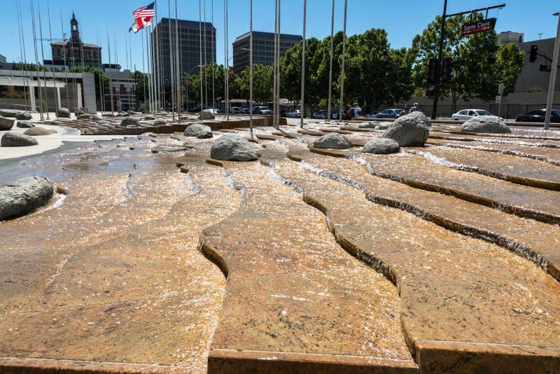 San Jose City Hall Fountain, Califórnia imagem de stock