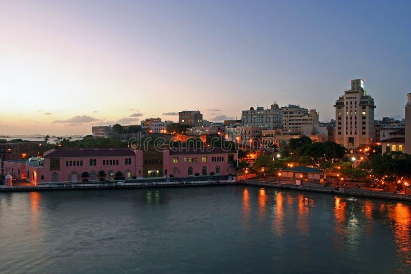 San Juan bij Nacht stock foto