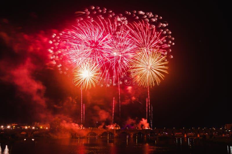 San Juan Fireworks en Badajoz, Extremadura, España imágenes de archivo libres de regalías