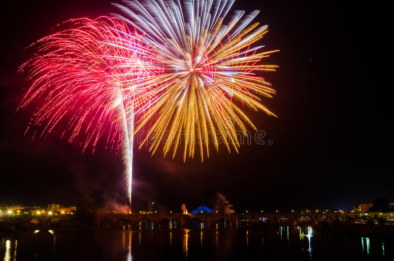 San Juan Fireworks en Badajoz, Extremadura, España imagen de archivo