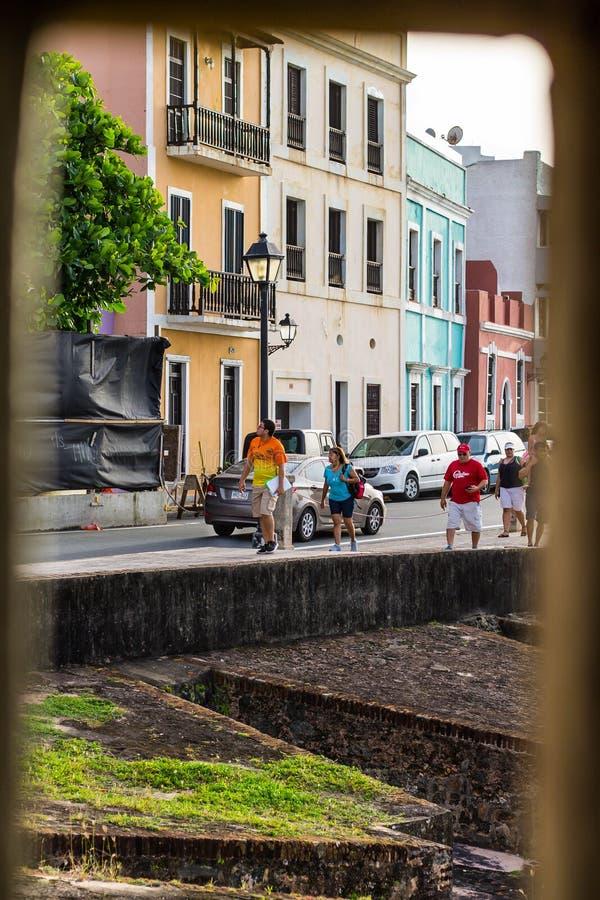 San Juan gatasikt från det Garita fönstret arkivfoto