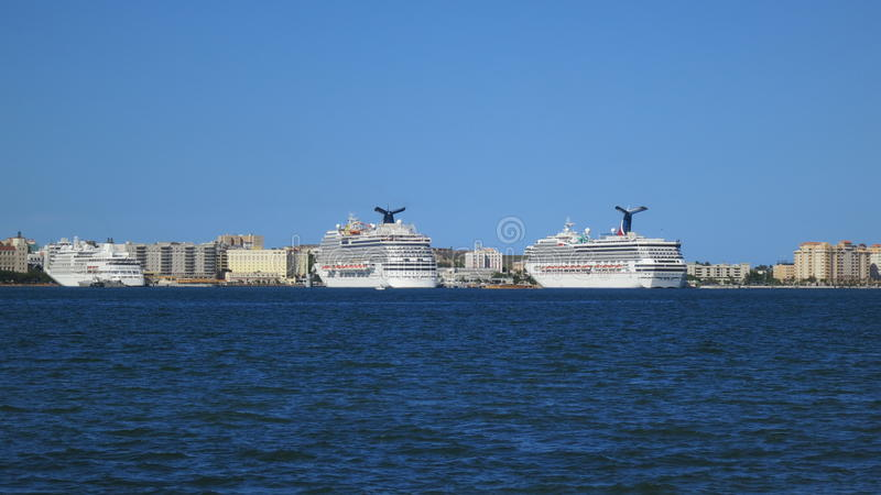San Juan Peurto Rico Cruise Boats imagem de stock royalty free