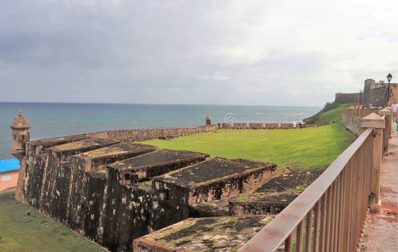 San Juan, Porto Rico - 1/25/18: Turisti a San Cristobal forte a San Juan, Porto Rico fotografia stock libera da diritti