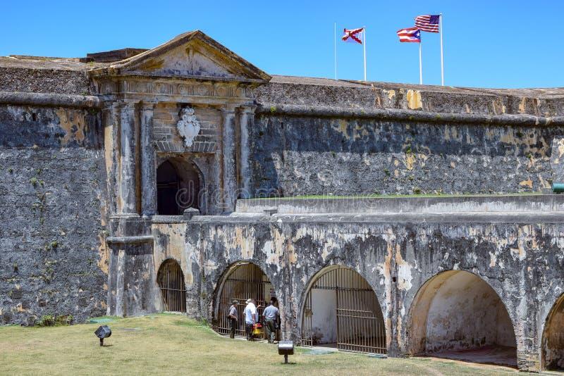 San Juan, Puerto Rico - April 02 2014: Mening van de voorzijde van Castillo San Felipe del Morro stock afbeeldingen