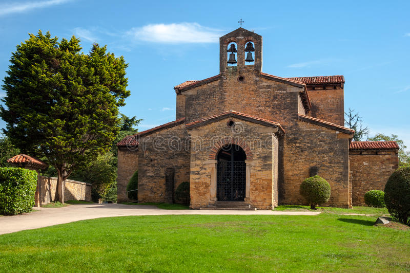 San Julian de los Prados Church, Oviedo photographie stock