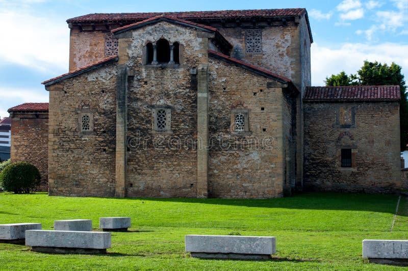 San Julian de los Prados Kyrktaga royaltyfri fotografi