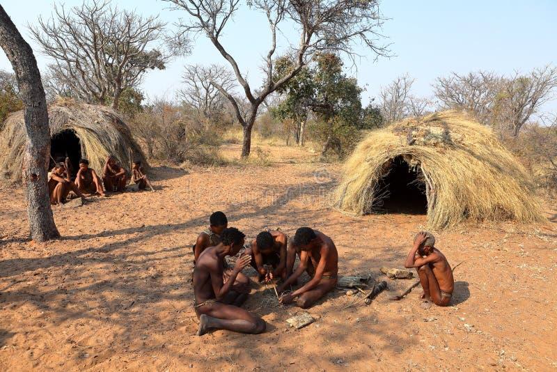 San-Leute in Namibia stockfoto