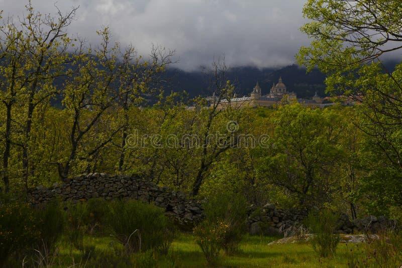 San Lorenzo del Escorial, Madrid, Spagna, il 7 maggio 2019, vista dalla sedia di Felipe II immagine stock libera da diritti