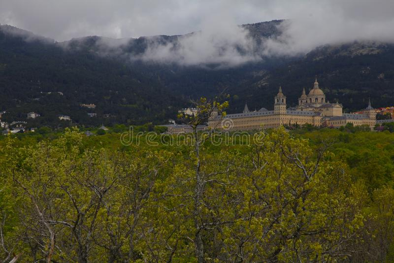 San Lorenzo del Escorial, Madrid, Spanien, Maj 7, 2019, sikt från Felipe IIS stol arkivfoto