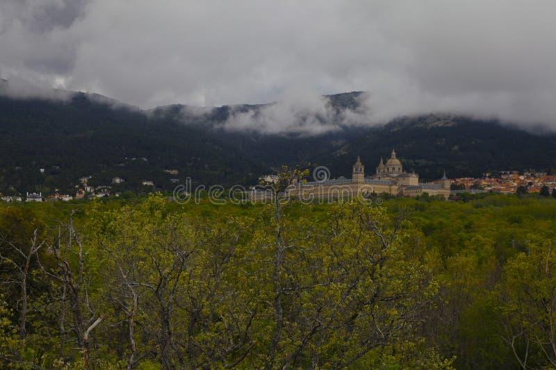 San Lorenzo del Escorial, Madryt, Hiszpania, Maj 7, 2019, widok od Felipe ii krzesła fotografia stock