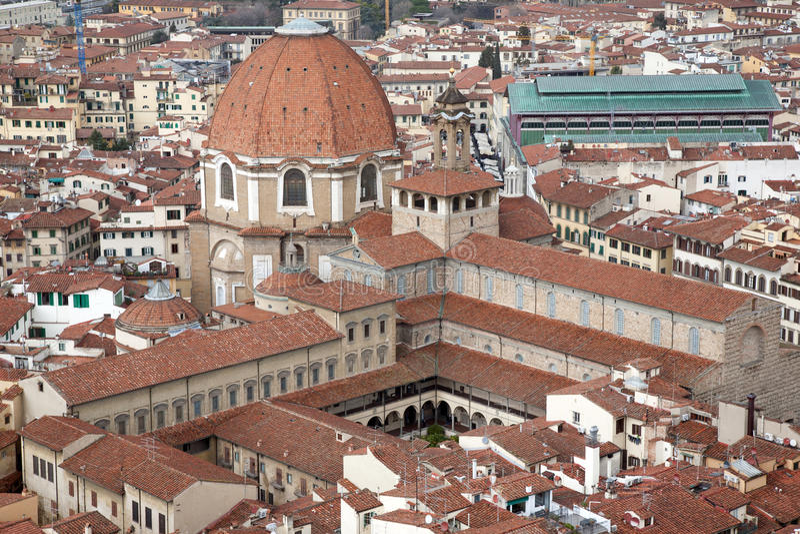 San Lorenzo kyrka i Florence arkivfoto