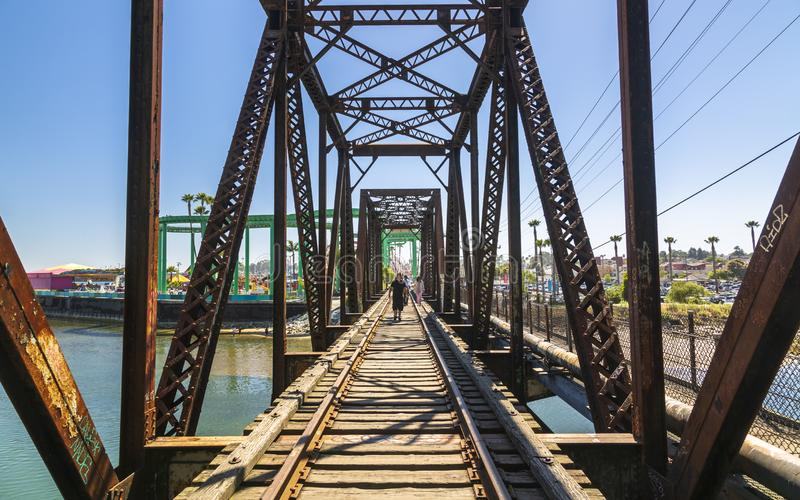 San Lorenzo River Railroad Bridge, Santa Cruz, Califórnia, Estados Unidos da América, America do Norte fotos de stock