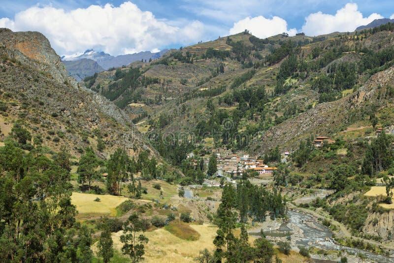 San Luis otaczanie i wioska kształtujemy teren, Peru fotografia royalty free